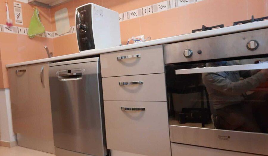 reconfigurare-mobila-de-bucatarie-pentru-a-incorpora-masina-de-spalat-vase